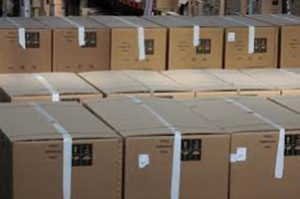 Stacked boxes - avoid injuries on moving day by using professional materials