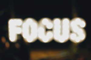 Image of the 'focus' sign.