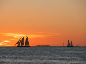 Sailing boats on the horizon, as one of the outdoor activities in Fort Lauderdale.