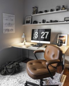 turned-on silver iMac